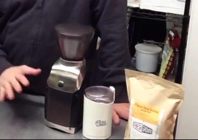 Burr Coffee Grinder or Blade Coffee Grinder? Which one is better?